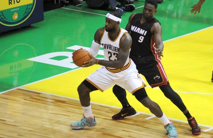 Lebron James basquete, Miami Heat x Cavaliers (Foto: André Durão / Globoesporte.com)