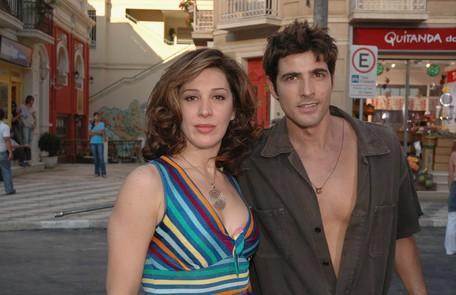 Em 'Belíssima' (2005), a atriz encarnou Safira, que vivia às turras com o borracheiro Pascoal (Reynaldo Gianecchini) Divulgação/TV Globo