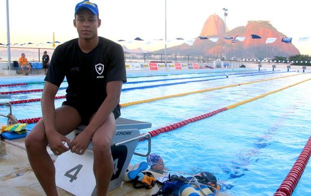 Matheus Santana natação botafogo (Foto: Lydia Gismondi / Globoesporte.com)