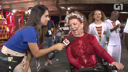 Beth Carvalho se emociona com homenagem da Alegria da Zona Sul