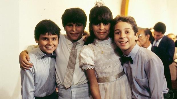 Danton Mello, Rafael Alvarez, Juliana Martins e Oberdan Junior em A Gata Comeu (Foto: Acervo Globo)