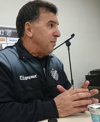 Estevam Soares técnico Tupi-MG (Foto: Bruno Ribeiro)
