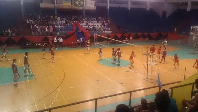 Nei vence por 3 sets a 0 a equipe E. E. Risalva no Campeonato Amapaense de Voleibol (Foto: Divulgação/FAV )