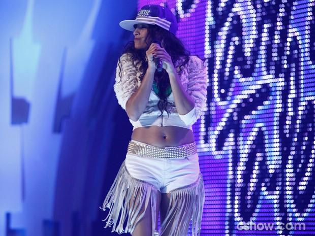 Luene arrasa em cima do palco com o funk nem-nem (Foto: Inácio Moraes/TV Globo)
