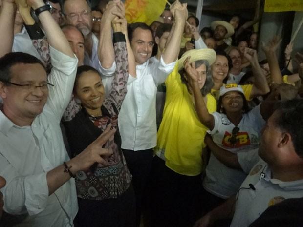 Ao lado de Beto Albuquerque, Paulo Câmara e Renata Campos, Marina lançou candidatura em clube na Zona Oeste da capital (Foto: Luna Markman/G1)