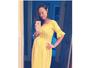 Olivia Wilde mostra barrigão de grávida durante selfie no espelho