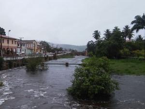Rio na cidade de Lençóis enche com as chuvas (Foto: Sema/Divulgação)