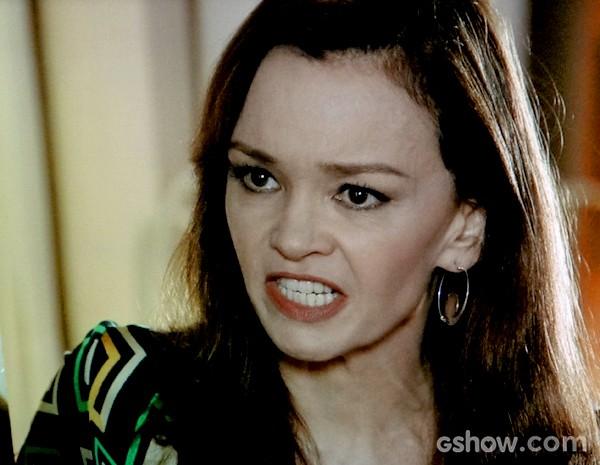 Helena briga feio com Laerte e diz que nunca vai perdoá-lo (Foto: Em Família / TV Globo)