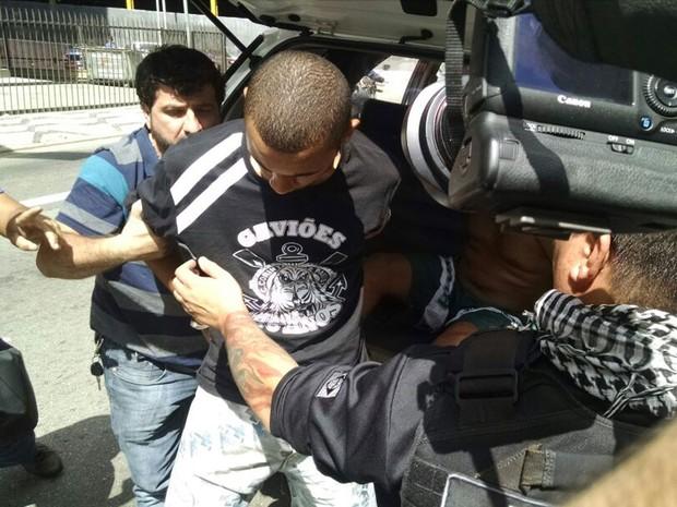 6cddd06b00 Integrante da Gaviões da Fiel é preso em operação da polícia (Foto   Leonardo Lourenço