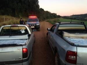 Uma mulher de 23 anos foi presa. O motorista do outo carro conseguu fugir (Foto: Receita Federal/Divulgação)
