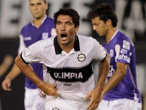 Juan Ferreyra gol Olimpia (Foto: Reuters)