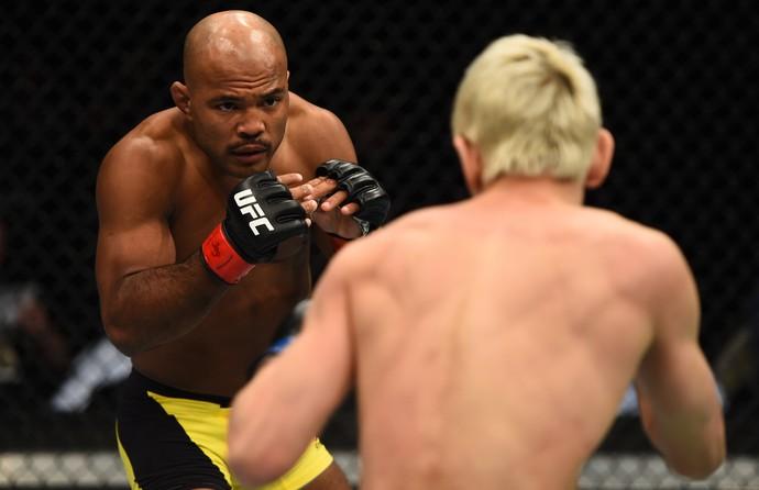 Wilson Reis Ulka Sasaki UFC 208 (Foto: Getty Images)