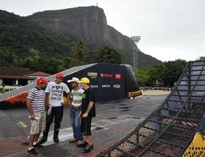 Pilotos no circuito da Copa Brasil de Motocross, na Sociedade Hípica Brasileira (Foto: Fernando Soutello/AGIF)