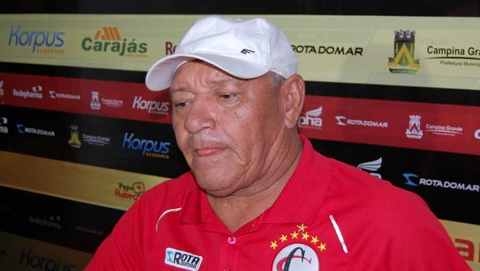 Freitas Nascimento, técnico do Campinense (Foto: Silas Batista / GloboEsporte.com)