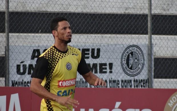 Samuel, zagueiro do ASA (Foto: Leonardo Freire/GLOBOESPORTE.COM)