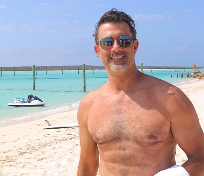 Marcos Pasquim posa sem camisa (Foto: Thiago Fontolan / Gshow)