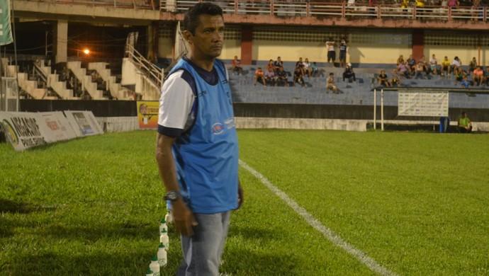Serginho, técnico do São Francisco (Foto: Michael Douglas/GloboEsporte.com)