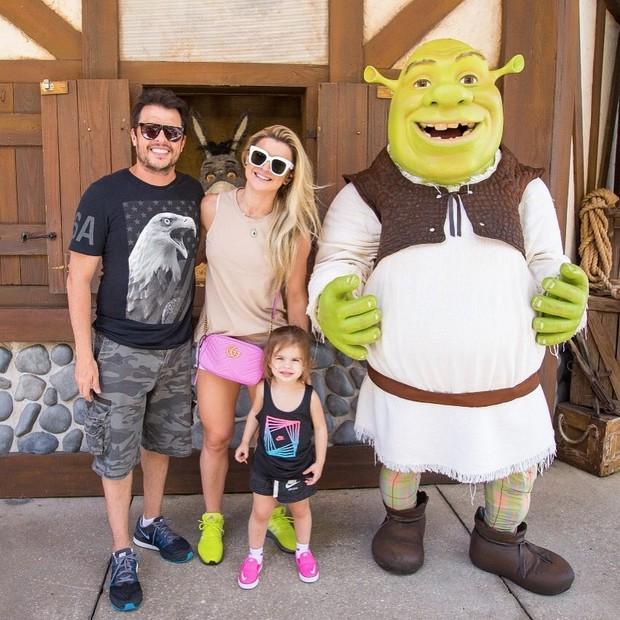 Ceará, Mirella Santos, Valentina e Shrek (Foto: Reprodução/ Instagram)