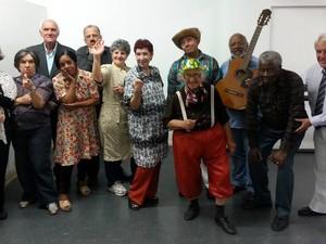 Grupo de Teatro da Melhor Idade apresenta peça A era do rádio em Petrópolis (Foto: Divulgação)