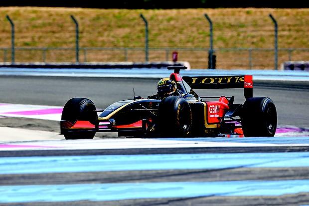 Descoberta da fórmula: a bordo de um Lotus/Renault de Fórmula 1 (Foto: Philippe Laurenson / Autoesporte)