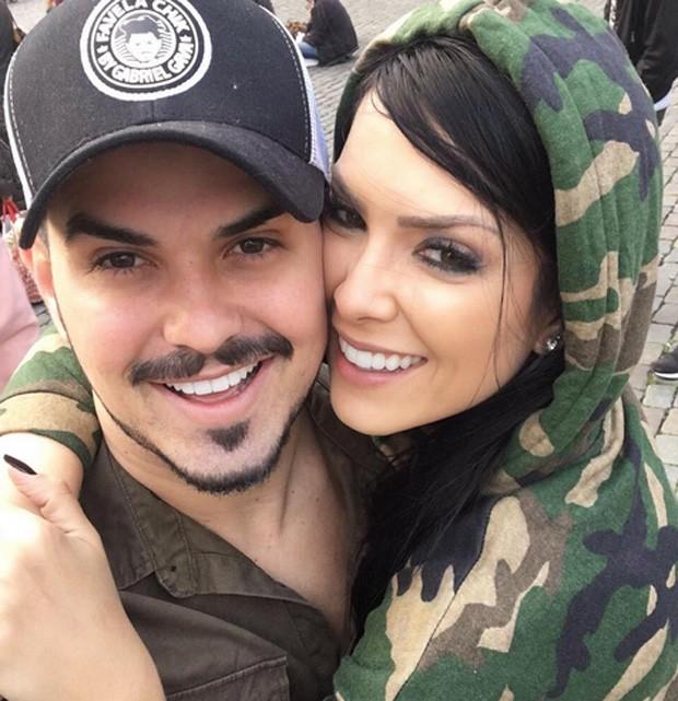 Gabriel Gava e Débora Lyra estão noivos (Foto: Reprodução / Instagram)