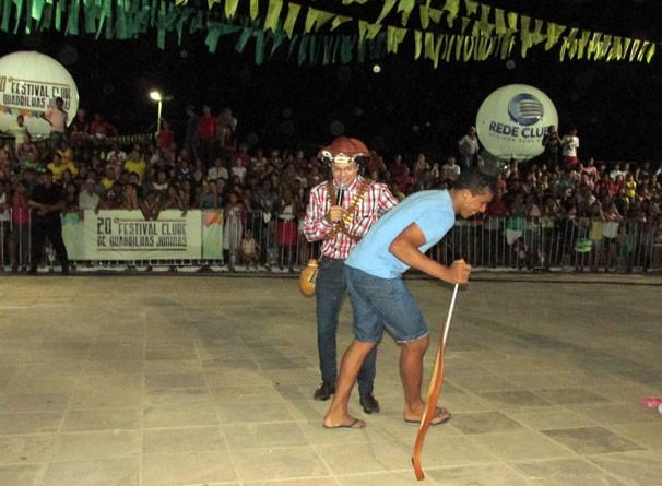 Jogos e brincadeiras antigas deixam público no clima de São João (Foto: Katylenin França/TV Clube)