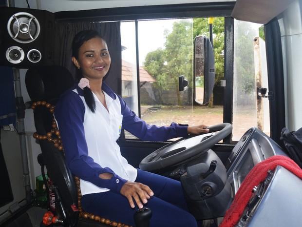 Michele começou a trabalhar como motorista de ônibus em 2003 (Foto: Abinoan Santiago/G1)