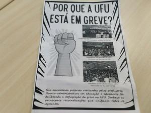 panfleto greve UFU Uberlândia (Foto: Vanessa Pires/G1)