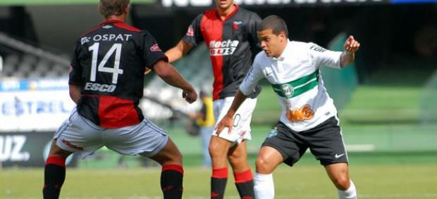 Denis Coritiba 1 x 1 Colón (Foto: Divulgação / Site oficial do Coritiba)