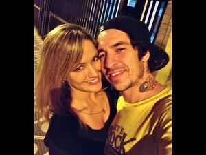 Mulher de Champignon, Claudia Bossle Campos publicou fotos do casal em seu perfil no Facebook (Foto: Reprodução/Facebook/Claudia Bossle Campos)