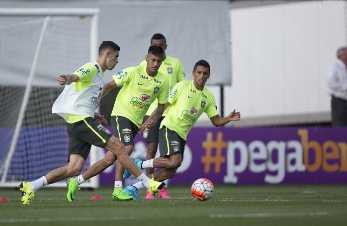 Gabriel Paulista, Neymar e Marquinho, seleção brasileira (Foto:  Leo Correa / MoWA Press)