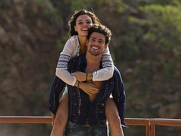 Leandro ( Cauã Reymond ) e Antônia, de Amores Roubados, conquistaram o público (Foto: Estevam Avellar / TV Globo)