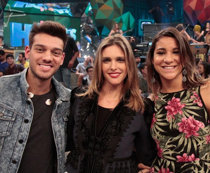 Lucas Lucco, Fernanda Lima e Joanna Maranhão no palco do Altas Horas (Foto: Marcos Mazini/Gshow)