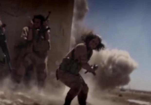 O vídeo mostra tropas americanas sendo alvejadas no Iraque. Traz imagens do presidente Barack Obama e da Casa Branca (Foto: Reprodução/ Youtube)