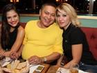 Antônia Fontenelle e mais famosos vão à festa de Jessika Alves