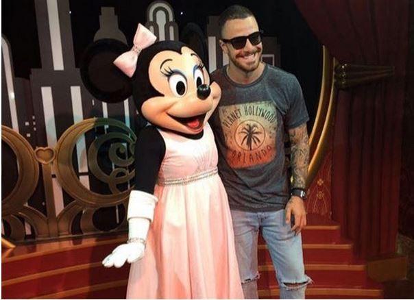 Felipe Tito com a Minnie (Foto: Divulgação)