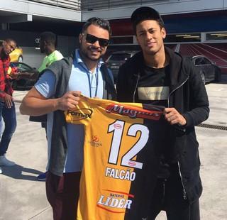 Fellipe Drommond, presidente do Sorocaba ao lado de Neymar (Foto: Arquivo Pessoal)