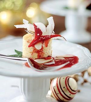 Cheesecake com calda de goiabada (Foto: Rogério Voltan/Editora Globo)
