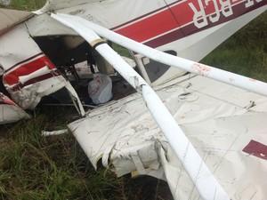 Acidente aéreo deixa duas pessoas feridas em Resende, RJ. (Foto: Vinicius Lima/G1)