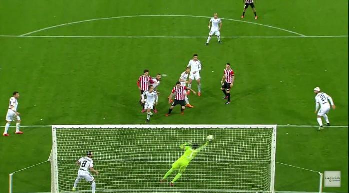 Diego Alves defesa Valencia Athletic Bilbao