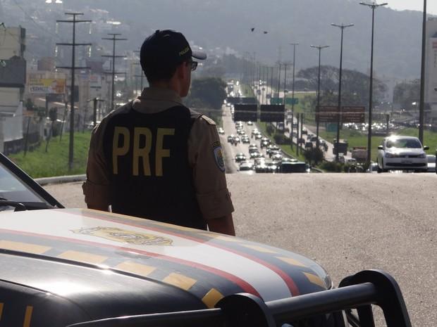 Objetivo das suspensões é diminuir congestionamentos durante o verão (Foto: PRF/Divulgação)
