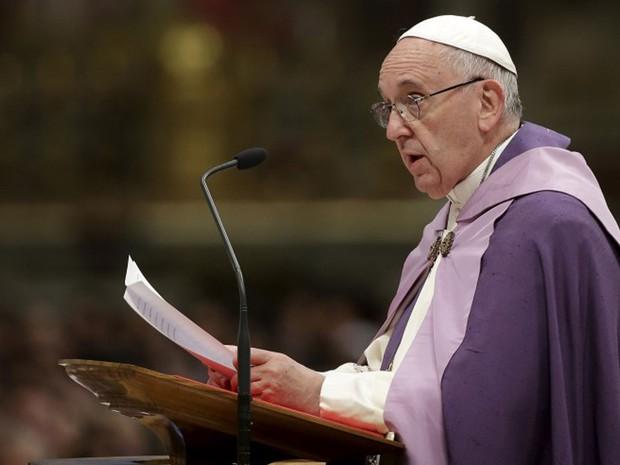 Papa Francisco, em imagem de arquivo, durante cerimônia no Vaticano em 3 de março de 2015 (Foto: Max Rossi/ Reuters)