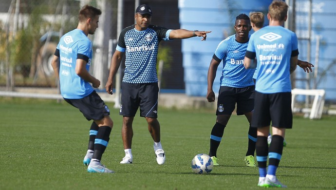 bressan roger machado treino grêmio (Foto: Lucas Uebel/Grêmio FBPA)