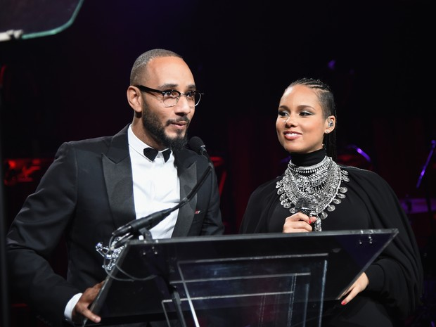 Alicia Keys, grávida, e o marido, Swizz Beatz, em evento em Nova York, nos Estados Unidos (Foto: Jamie McCarthy/ Getty Images/ AFP)