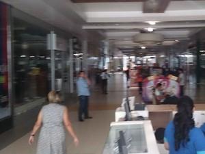 Porto Velho Shopping ficou sem energia por uma hora (Foto: Assem Neto/G1)