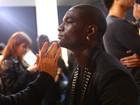 Modelo ex-dançarino de Madonna participa do desfile da Cavalera