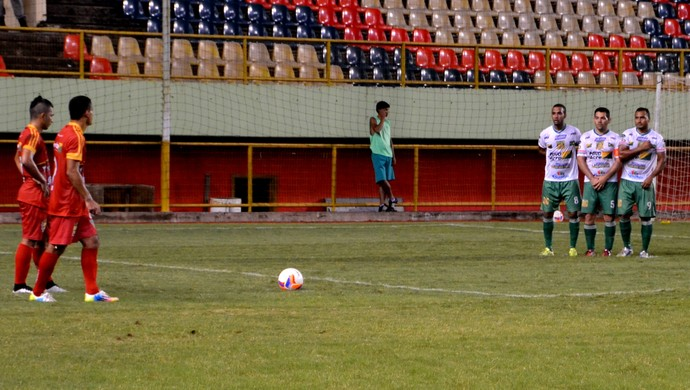 Galvez x Alto Acre, na Arena da Floresta, em Rio Branco (Foto: Nathacha Albuquerque)