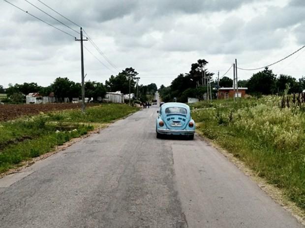 Mujica mora na área rural de Montevideo e é dono de um fusca azul (Foto: Carlos Eduardo/Arquivo Pessoal)