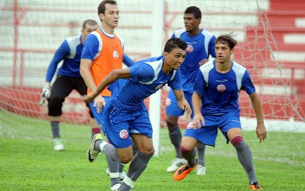 kieza treino do náutico (Foto: Aldo Carneiro / Pernambuco Press)