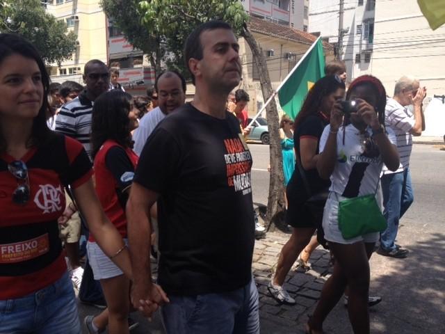 Marcelo Freixo em seu último ato de campanha (Foto: Alba Valéria Mendonça)